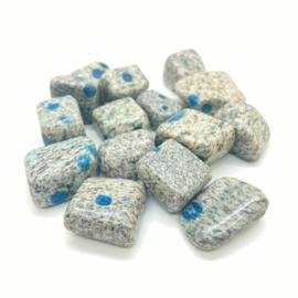 K2 Azuriet in graniet, handsteen