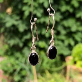 925/000 Zilveren oorbellen met geslepen onyx.