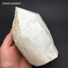 Bergkristal punt uit Madagaskar, 2095 gram.