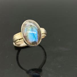 Labradoriet ring, 17,25 mm/54, 925 zilver