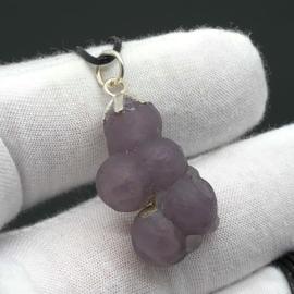 Manakara stone/ Druiven agaat/ paarse chalcedoon hanger.