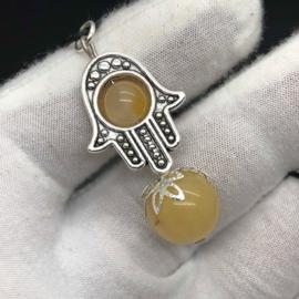 Handmade hanger 'Omhullende Bescherming' Golden Healer kwarts