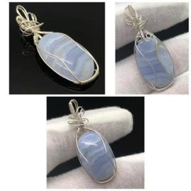 Chalcedoon of Blue Lace Agaat hanger, 925 zilver gewikkeld.