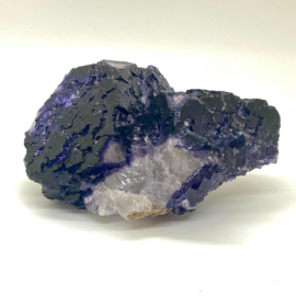 Fluoriet paars kristal, 368 gram
