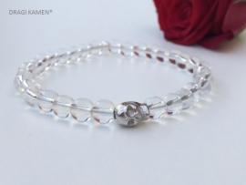 Armband met Bergkristal 6 mm ronde kralen en zilver kleurige skull