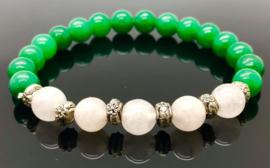 Handgemaakte armband met 8 mm groene jade en Roze kwarts/Rozenkwarts kralen.