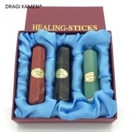 Luxe geschenkdoosje met drie prachtig met de hand geslepen healing-sticks