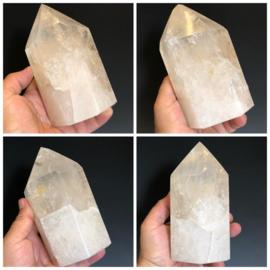 Bergkristal punt geslepen uit Madagaskar
