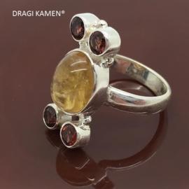 Handgemaakt 925/000 zilveren ring met 5 facet geslepen edelstenen (citrien en granaat). 16,75 mm / 52 mm
