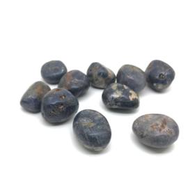 Saffier hand-, meditatie-, knuffelsteen, 10 -15 gram