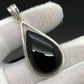 925/000 Zilveren hanger met geslepen Onyx