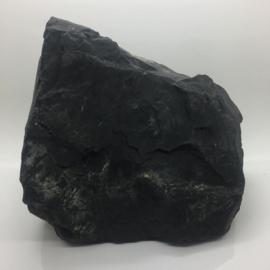 Zwarte Azeztuliet ruw kristal van ruim 5,6 kilo.