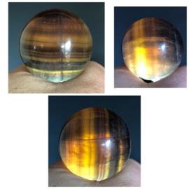 Regenboog Fluoriet bol, 49,9 mm.