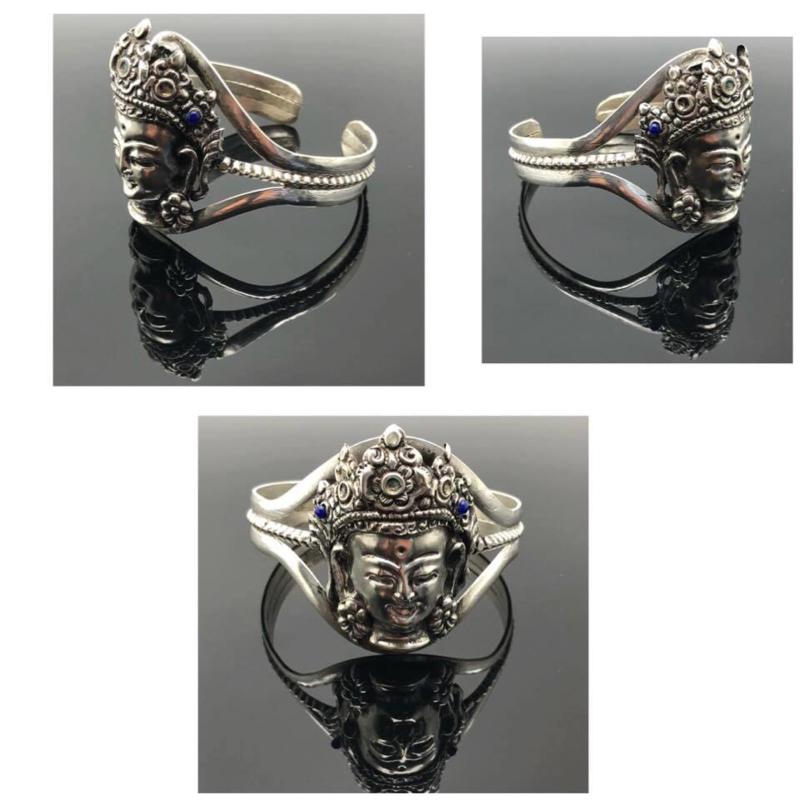 Quan Yin / KwanYin Tibetaans geluks armband handgemaakt uit zilver, Lapis Lazuli steen.
