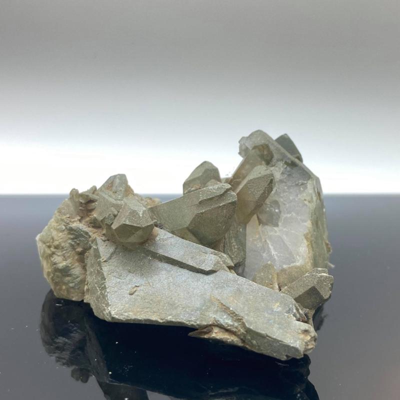 Himalaya kwarts cluster met chloriet, 109 gram