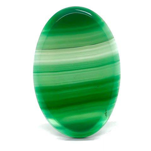 Met de hand geslepen en gepolijst Groene Onyxl ovale schijf met facet rand.