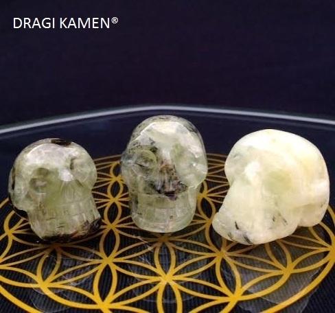 Crystal skull Prehniet, 30 mm.