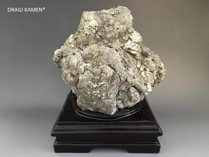 Pyriet cluster showstuk, 5,3 kilo.