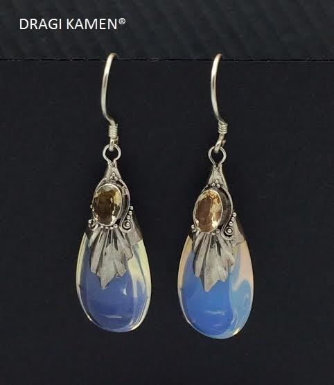Opaline oorbellen in zilveren zetting met facet geslepen Citrien edelsteen.