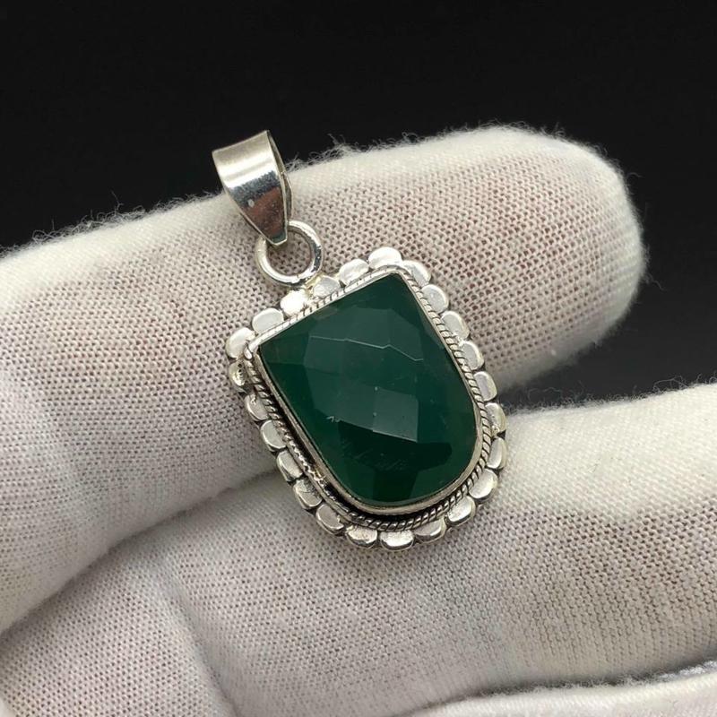 Groene Chalcedoon hanger, 925 zilver