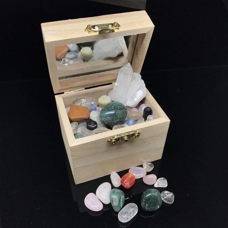 Stenenset in houten kistje