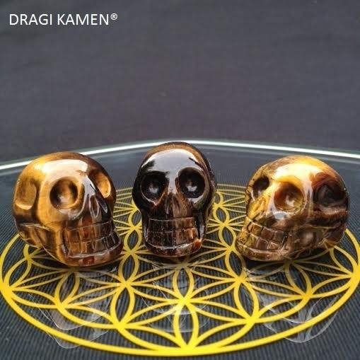 Crystal skull Tijgeroog, 30 mm.