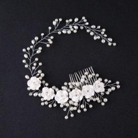 Haarsierraad White Flowers