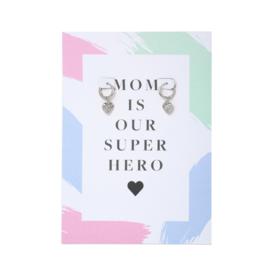 Oorbel wenskaart Super Hero Mom| Zilver