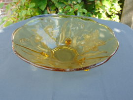 Beautiful Art Decó glass fruit bowl with floral pattern (Narcissus)