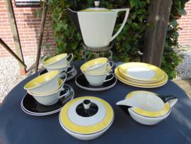 "Art Decó Petrus Regout coffee / breakfast service ""Ineke"""