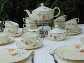 Porceleinen vintage ontbijt/theeservies