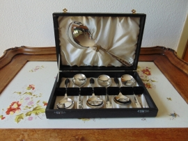 Antique silvered fruit cutlery