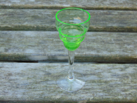 Uranium glass glasses