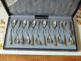 Antique silver teaspoons cassette