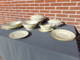 Klassiek Schönwald porceleinen dinerservies.