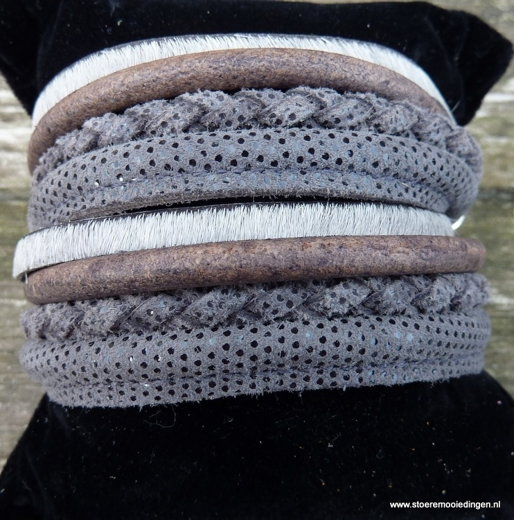 Wikkelarmband grijs bont