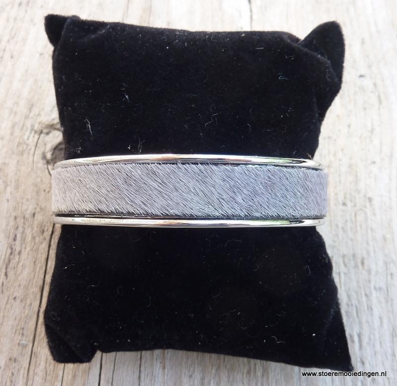 armband metaal grijze vacht leder