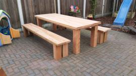 188) Douglas meubels en haardhouthok