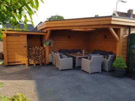 233) Douglas veranda met lichtkoepel en brandhout hok