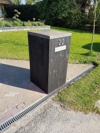 106) stenen poeren bekleedt met Douglas halfhouts zwart gedompeld