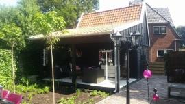 65) Douglas schuur met veranda