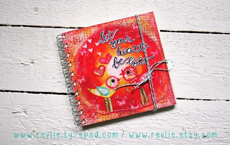 Uniek notitieboekje LET YOUR HEART BE LIGHT met geheime berichtjes van mij & gratis twee REVitup ansichtkaarten