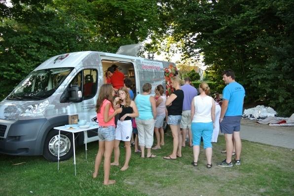 Pizza Divino tijdens buurtfeest Oud-Beijerland