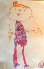 Knuffel van tekening: bloemen meisje