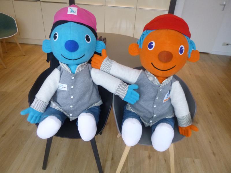 Custom toy: reuzen mascotte jeugdfonds breda