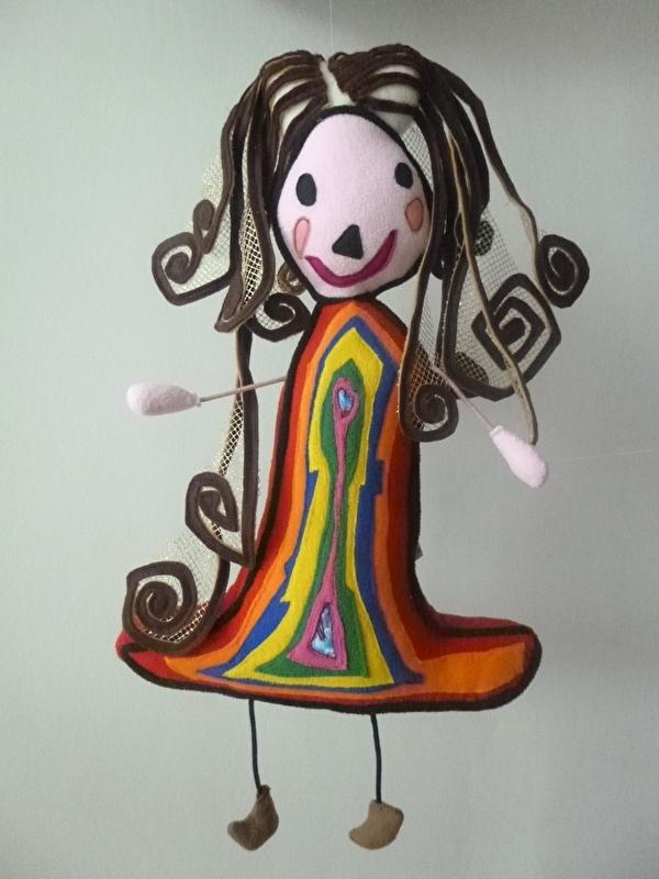 Knuffel van tekening: knuffel regenboogprinses