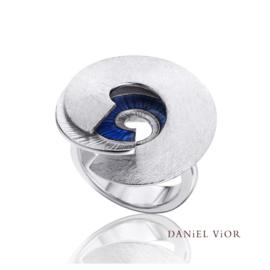 DANiEL ViOR Latiaxis ring