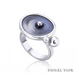 DANiEL ViOR Drops ring