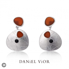 DANiEL ViOR Carnelian/Onyx oorbellen