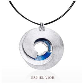 DANiEL ViOR Latiaxis collier